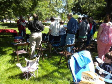 1_HRLC_2011_worship_and_picnic_040.JPG